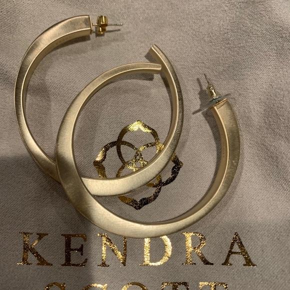 Kendra Scott Avi hoop earrings gold